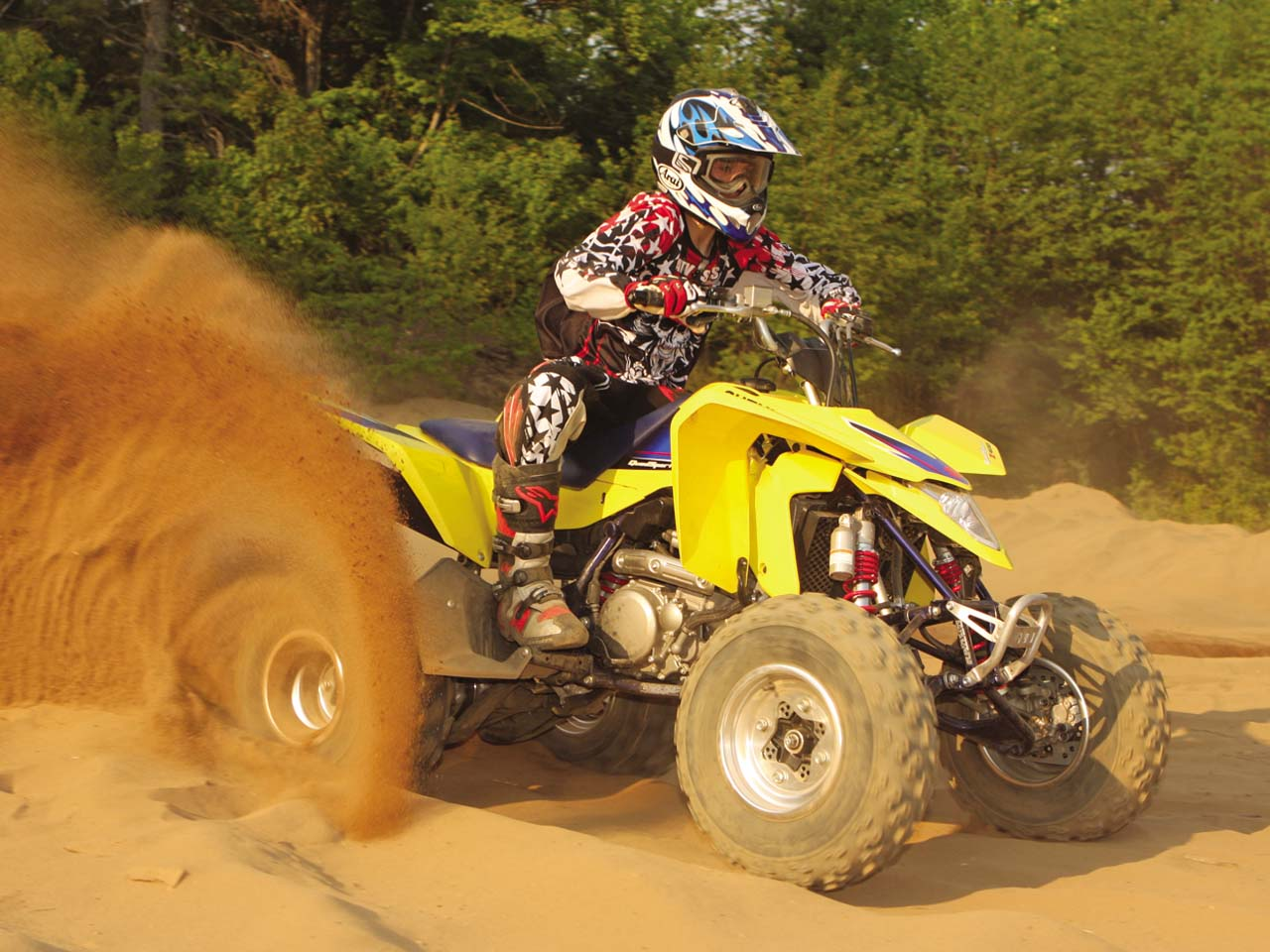 best sport atv the 2011 suzuki ltz 400 atv illustrated rh atvillustrated com Suzuki ATV Logo Tracks On Suzuki Z400