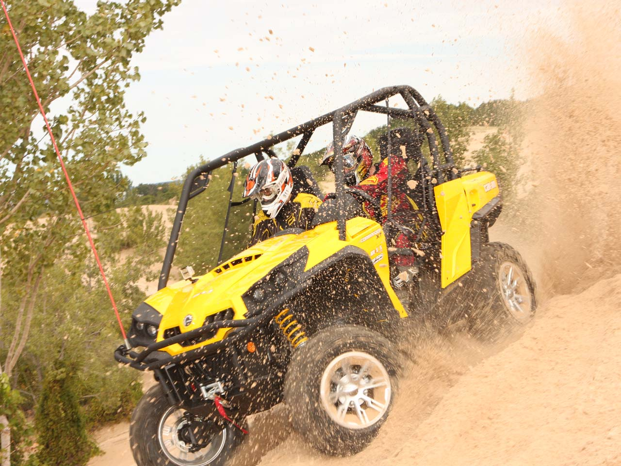 Off Road Vehicle Of The Year 2011 Can Am Commander 1000 Xt Fuel Filter 2011can Amcommanderblack Left Ridingon