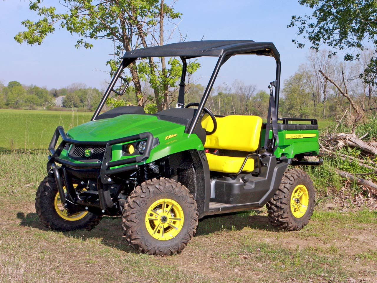 first ride the john deere gator xuv 550 atv illustrated. Black Bedroom Furniture Sets. Home Design Ideas