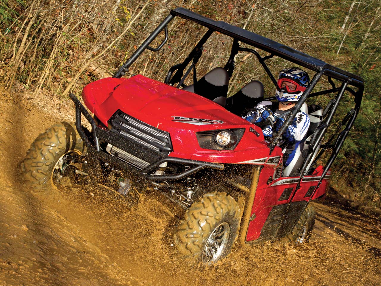 The tough half doors keep mud sticks and other intrusions out and they work perfectly every time. & 2012 Kawasaki Teryx 4 750 4x4 Review | ATV Illustrated pezcame.com
