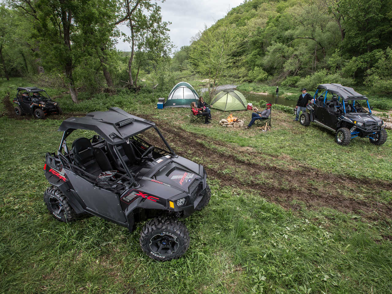 2014.polaris.rzr800xc.black.top-right.parked.at-campsite.jpg