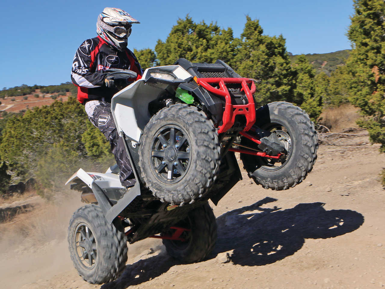 2015.polaris.sportsman-ace.front-right.white.riding.