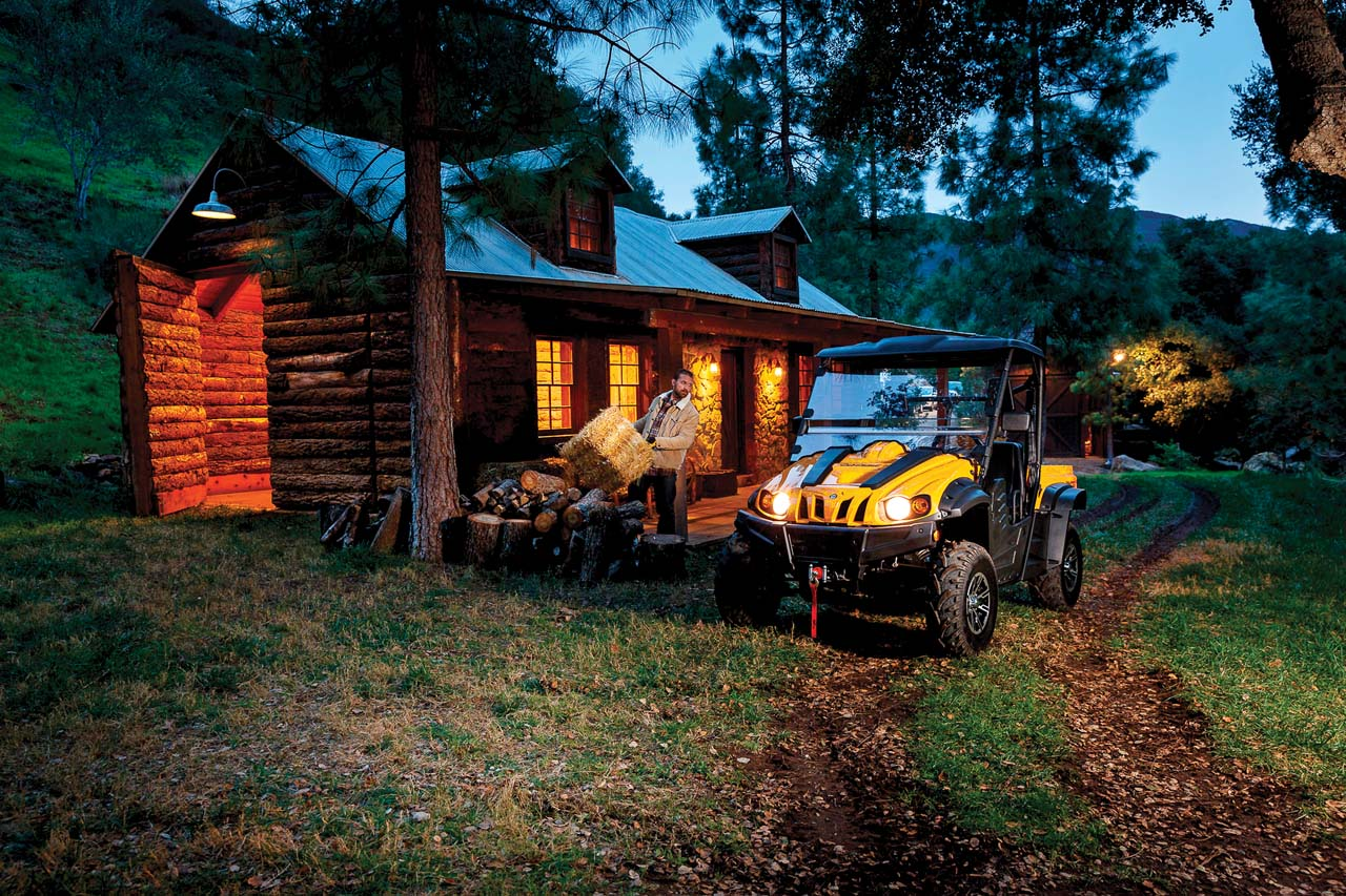 2016.cub-cadet.challenger500.yellow.front_.parked.by-cabin.jpg