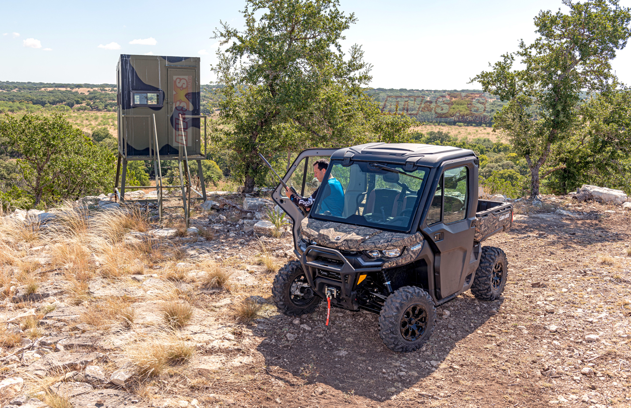 2020-can_am-defender_xt_limited-hunting-a.jpg