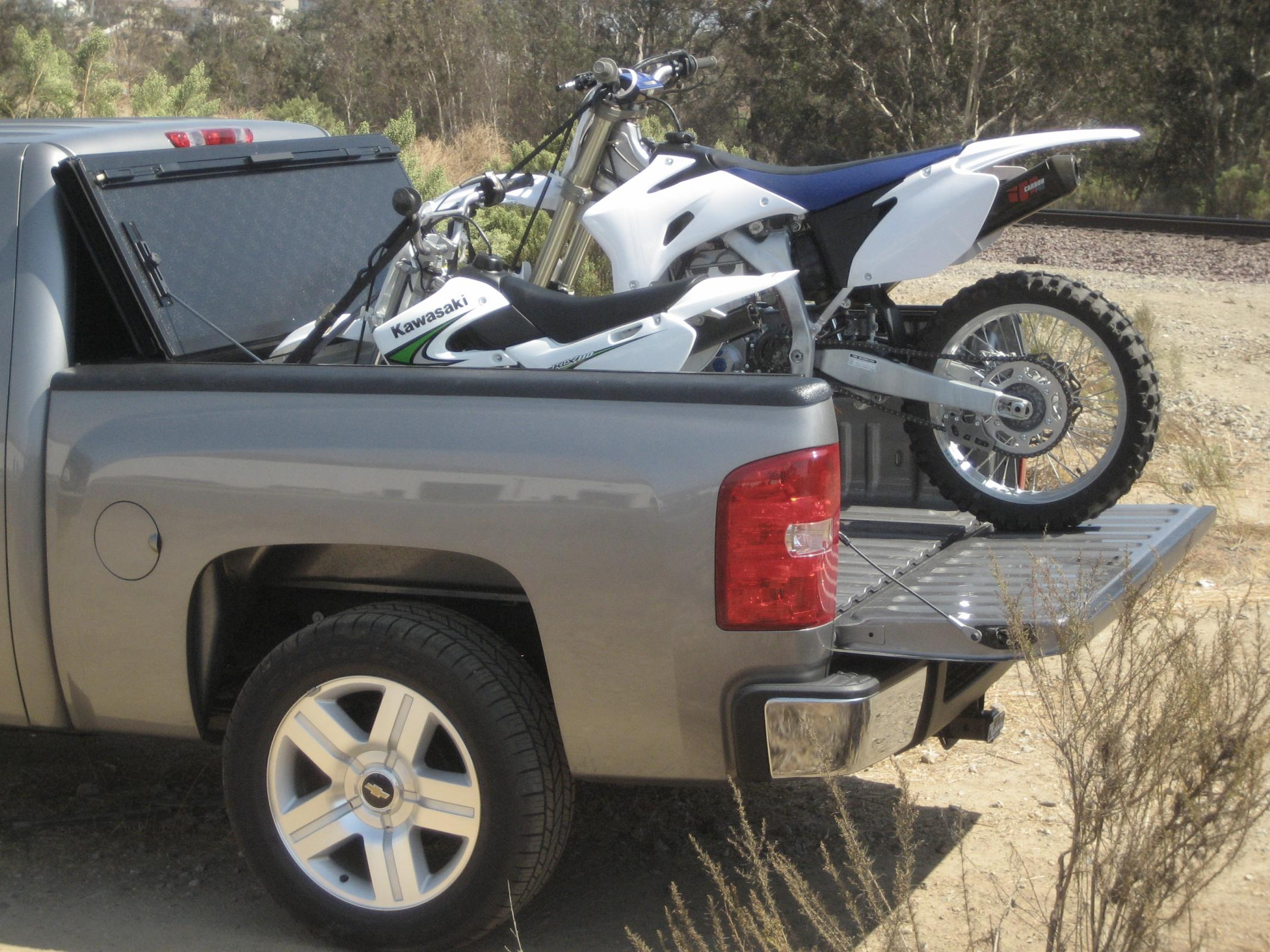 Revolver X2 Is The World S Perfect Motorcycle Tonneau