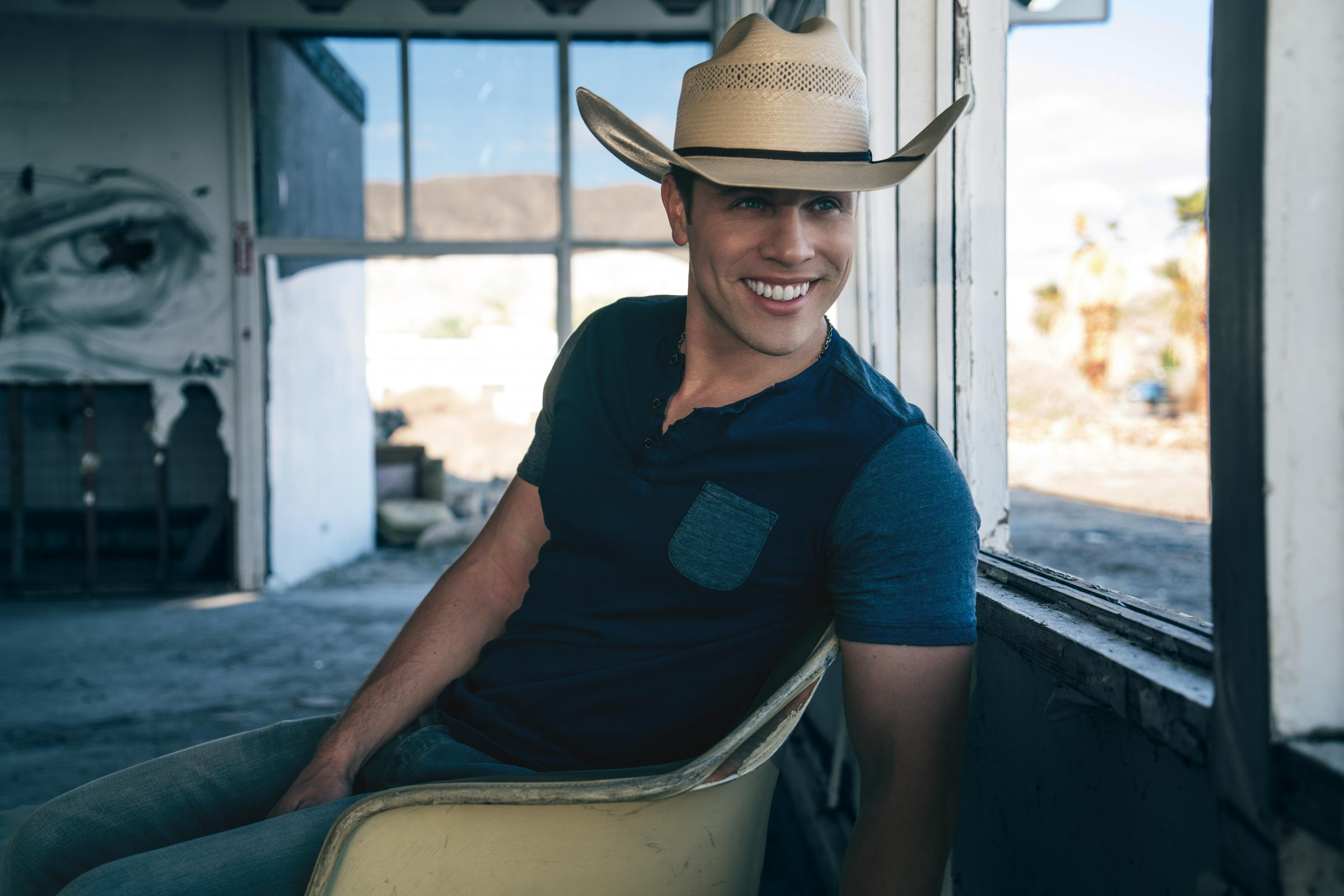 nra country presents dustin lynch and granger smith at the great american outdoor show atv illustrated atv illustrated