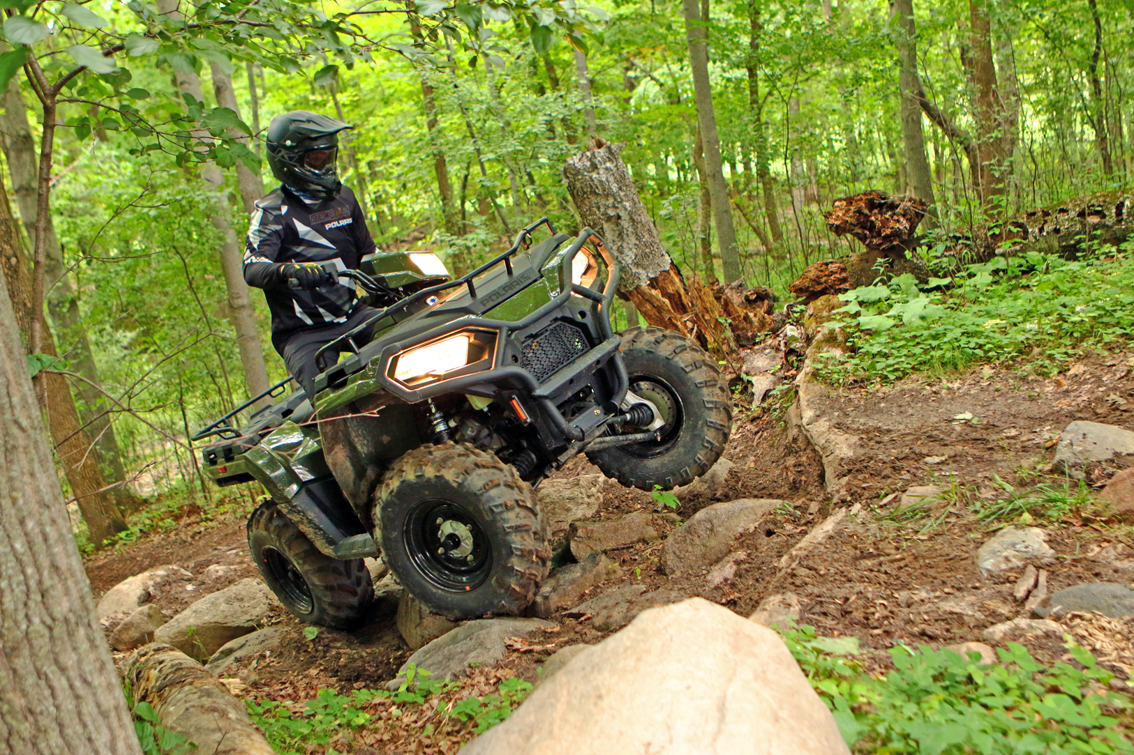 2021-polaris-sportsman-570-green-atv_illustrated-cov.jpg