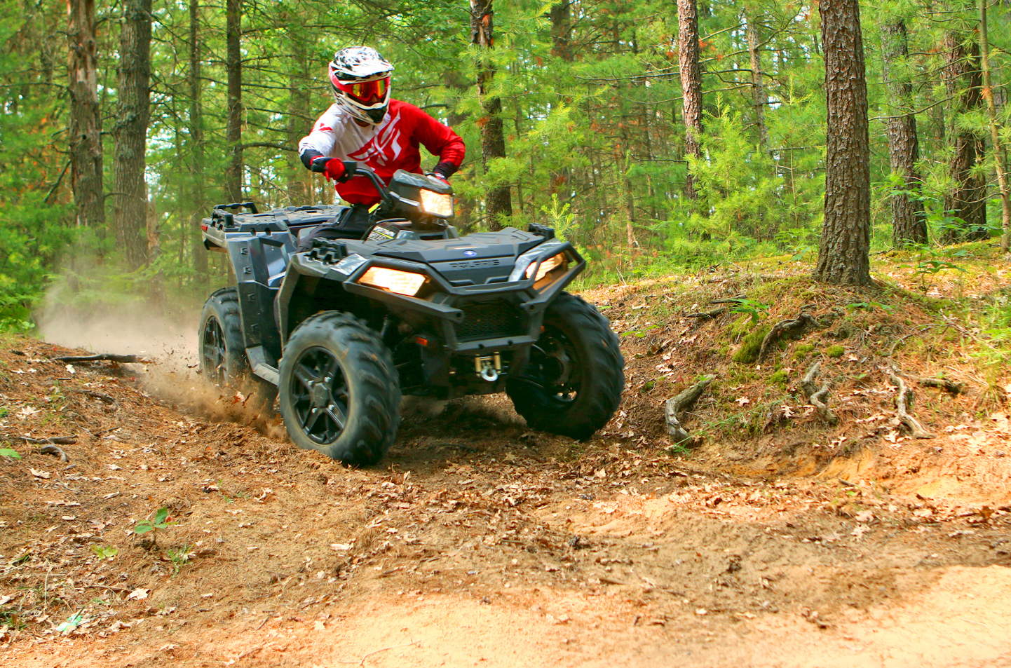 polaris-sportsman-850-black-trails-b.jpg