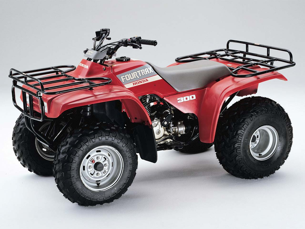 ... Honda.1988.fourtrax300 4v4.left_.red_.studio