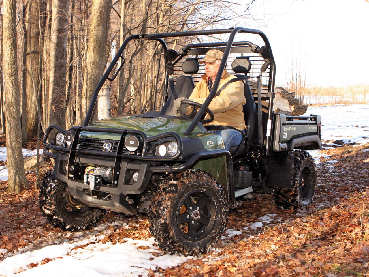 atv illustrated 39 s best utv of 2011 the john deere gator 825i xuv atv illustrated. Black Bedroom Furniture Sets. Home Design Ideas