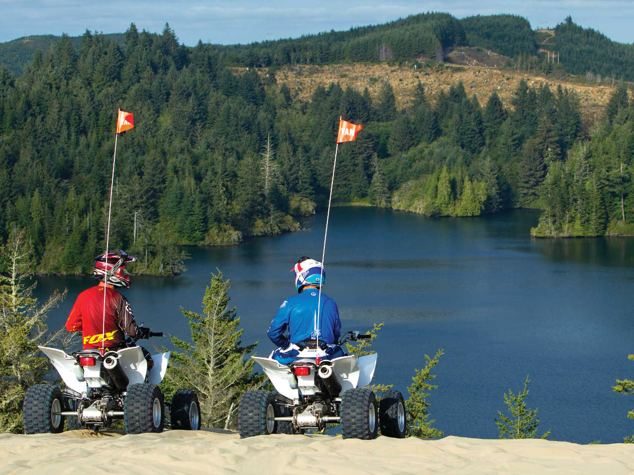 location.2014.oregon.atvs_.parked.by-lake.JPG