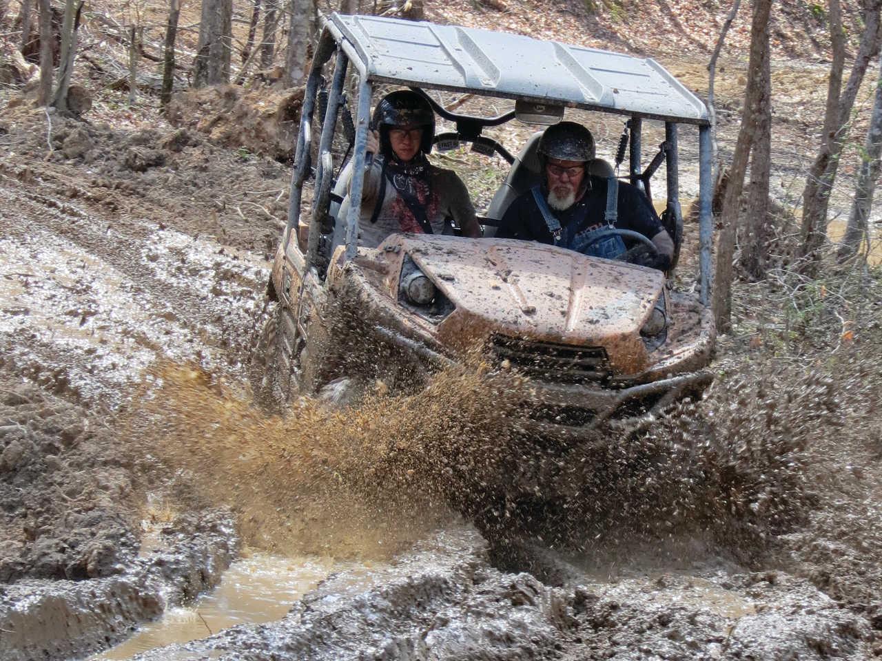 location.2014.rush-off-road-park.kentucky.side-x-side.riding.through-mud.jpg