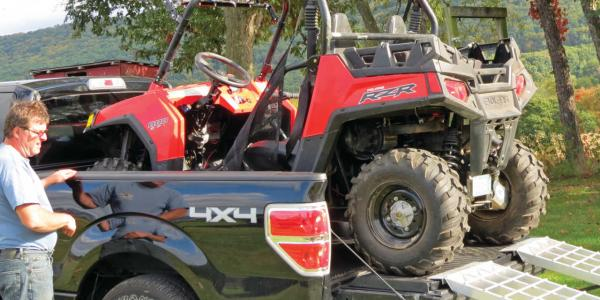 vendor.2014.xtreme-gate.polaris-rzr.loaded.in-truck.jpg