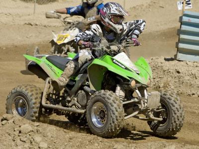 2010.kawasaki.kfx540r.green_.front-right.racing.on-track.jpg