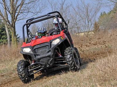 2012.polaris.rzr800.front.red.riding.on-trail.jpg
