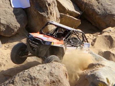 2013.polaris.rzr-xp900.racing.over-rocks.jpg