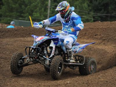 2013.yamaha.racer.chad-wienen.riding.yfz450.on-track.jpg