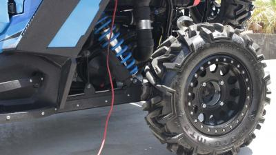 2015.polaris.rzr-xp4-1000custom.close-up.tire_.jpg