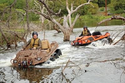 2016.argo.avenger8x8lx.tan.front.riding.through-water.jpg