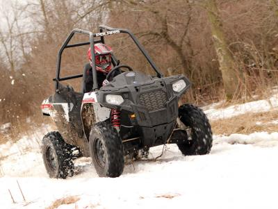 2016.polaris.ace.silver.front.riding.through-snow.jpg