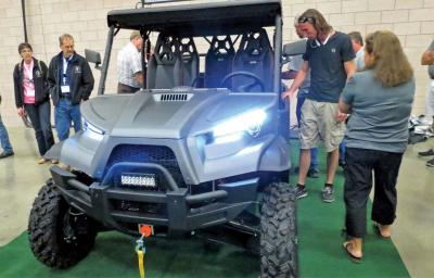 2017.odes_.utv_.front_.grey_.parked.in-showroom.jpg