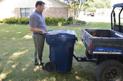 Tote Caddy Trash Can Transporter Atv Illustrated
