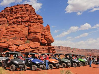 location.2014.moab-utah.utvs-parked.JPG