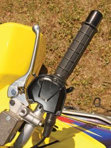 2010.suzuki.ltz400.close-up.hand-brake.jpg