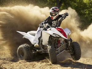 2010.yamaha.raptor350.white_.front-right.riding.on-dirt.jpg