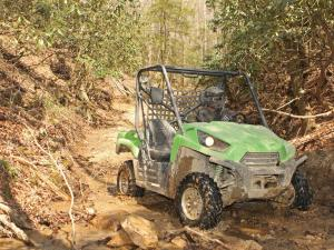 2011.kawasaki.teryx750fi4x4.green_.front-right.riding.on-trail.jpg