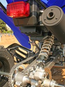 2011.yamaha.raptor250.close-up.rear-suspension.jpg