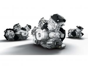 2012.can-am.3-engines.close-up.jpg