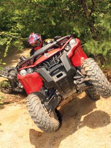 2012.can-am.outlander1000.red_.front_.riding.up-hill.jpg