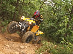 2012.can-am.renegade1000.white_.front_.riding.up-hill.jpg