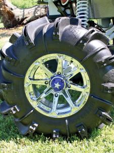 2012.can-am.renegade800-custom.blue.close-up.wheel-rim.jpg