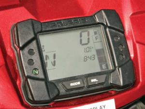 2012.polaris.sportsman550.close-up.console.jpg