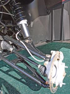 2012.polaris.sportsman550.close-up.front-suspension.jpg