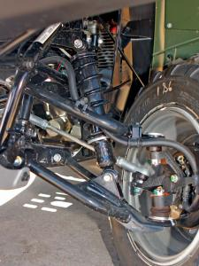 2012.ultility-atv.front-suspension.close-up.jpg