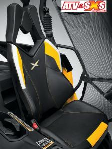 2013.can-am.maverick1000r-x.close-up.seat.jpg