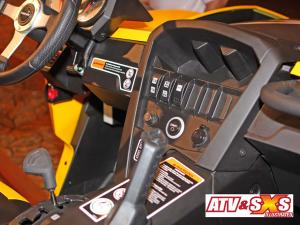 2013.can-am.maverick1000r.close-up.dash.jpg
