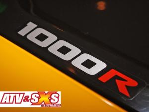 2013.can-am.maverick1000r.close-up.logo.jpg