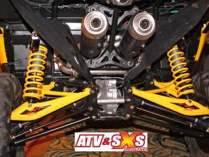 2013.can-am.maverick1000r.close-up.rear-suspension.jpg