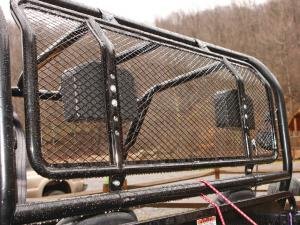 2013.cub-cadet.volunteer4x4efi.close-up.protective-wire-mesh-screen.jpg