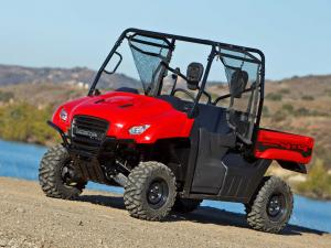 2013.honda.big-red.front-left.parked.on-dirt.jpg