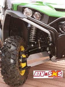2013.john-deere.gator-rsx850i.close-up.front-suspension.jpg