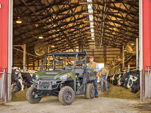 2013.polaris.ranger-xp900.green.front-left.parked.on-farm.jpg