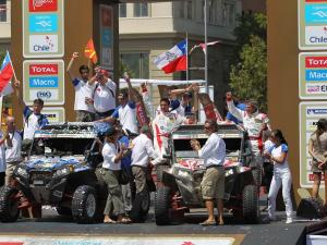 2013.racer.willy-alcaraz.team-xtremeplus.parked.celebrating-victory.jpg