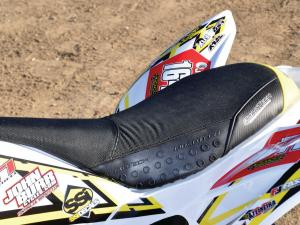 2013.yamaha.raptor250triumph.close-up.seat.jpg