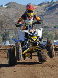 2013.yamaha.raptor250triumph.white.front.riding.on-track.jpg