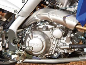 2013.yamaha.raptor700.close-up.engine.jpg